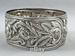 Repousse by Kirk Sterling Napkin Ring All around Design 7/8 wide